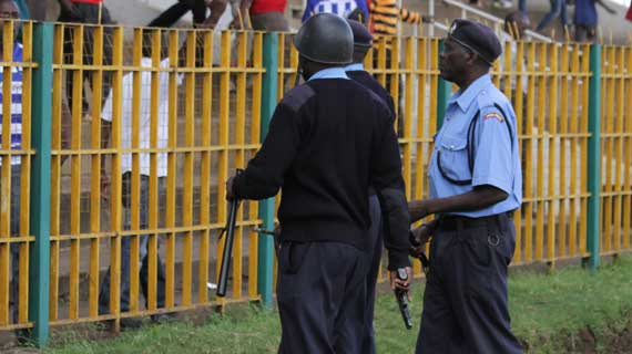 Cheren: Police should style up, tear gas towards children?