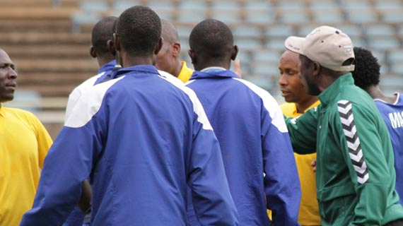 Furious Stars' coach blasts referees