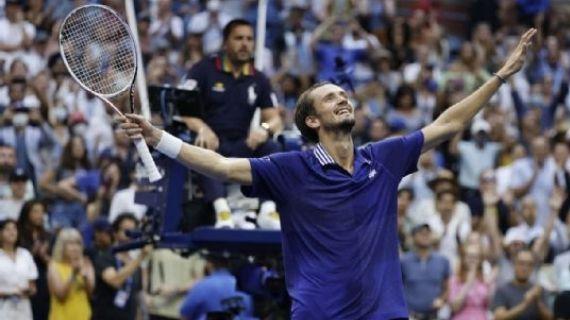 Medvedev halts Djokovic's bid for year Grand Slam