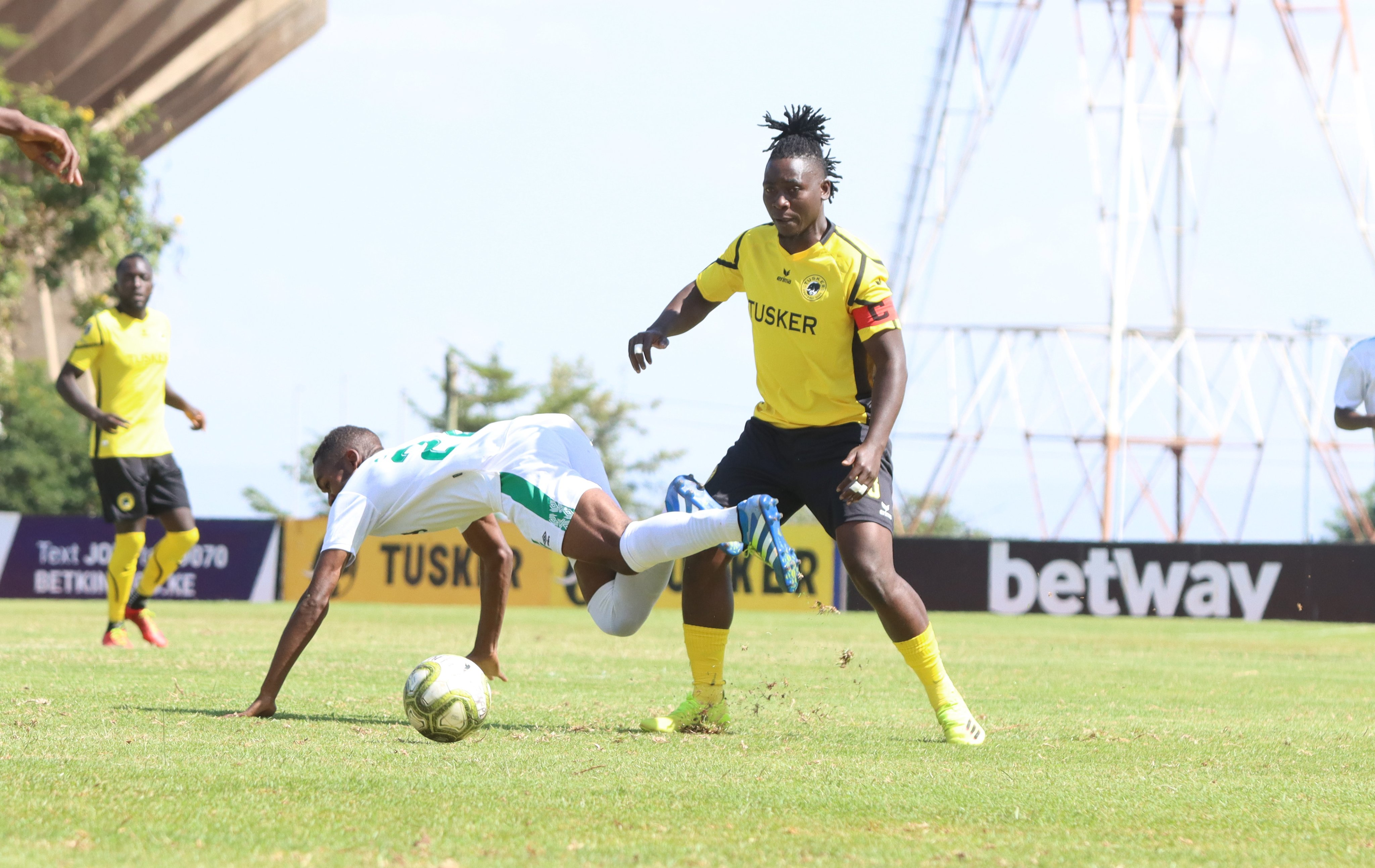 FKFPL Saturday Round Up: Goals and cards galore as Tusker end Sharks unbeaten streak