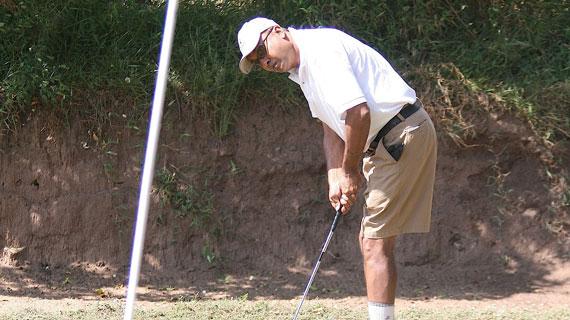Oyaro lifts KCB Golf day trophy in Mumias
