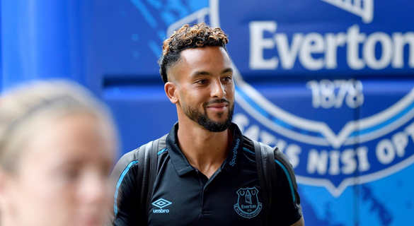 Walcott and co land in Nairobi ready to take on Sharks