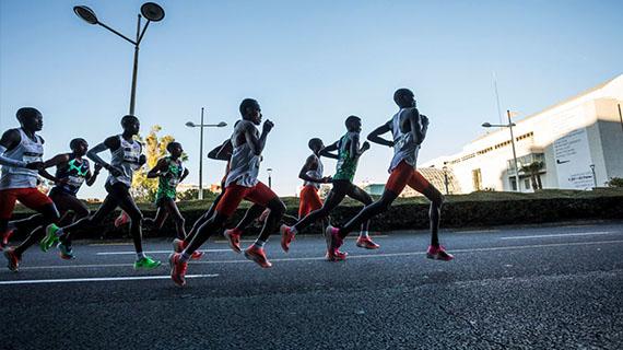 Kandie shatters world half marathon record