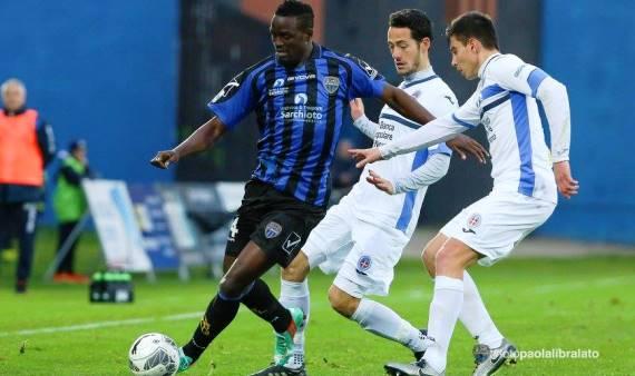 MacDonald Mariga scores  in Serie B