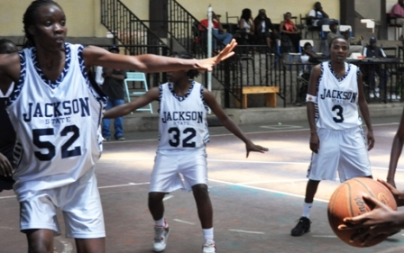 Ligare guides Thunder to slim win over Blazers