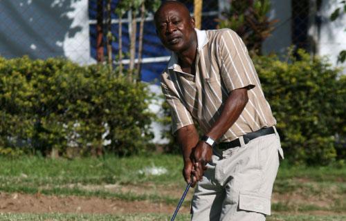 Patrick Owidh lifts APA Nyanza golf tournament